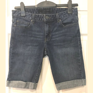 Calvin Klein Jean Shorts, Size 28/6